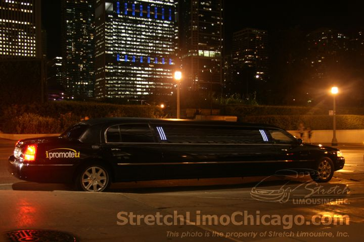 black stretch limo in chicago downtown