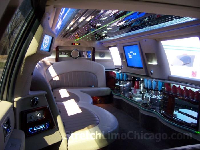 Lincoln Navigator Limousine Rental Service In Chicago